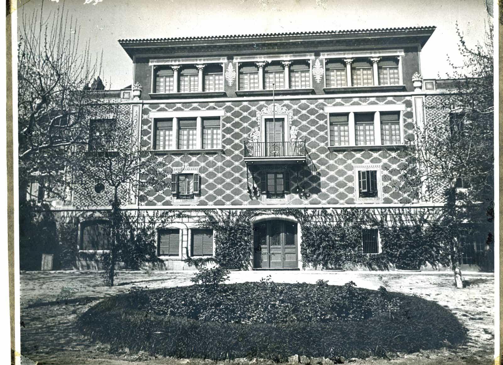 Siglo XVIII - Masie Can MUNTANER, actualmente Colegio Baldiri Reixac (Park Guell)