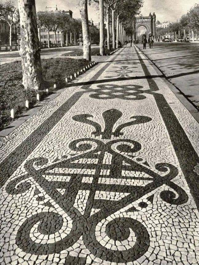 voreres trencadis salo de sant joan_1900-1966 destruides per Porcioles